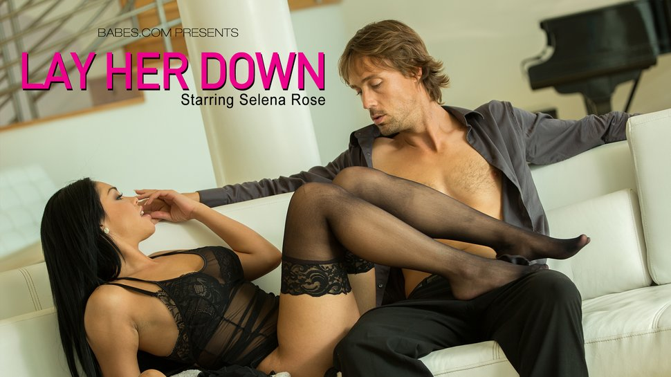 [Babes] Selena Rose – Lay Her Down